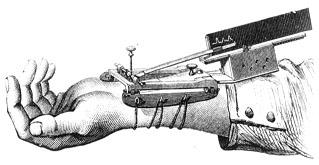 El artista australiano Stelarc, se implanta una oreja en el brazo